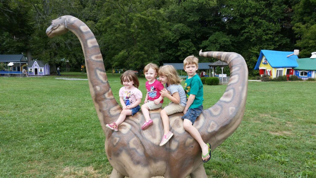 MDMRN Children on a Dino